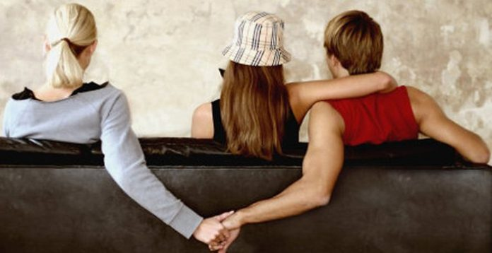 Te damos algunos trucos para saber si tu pareja te engaña