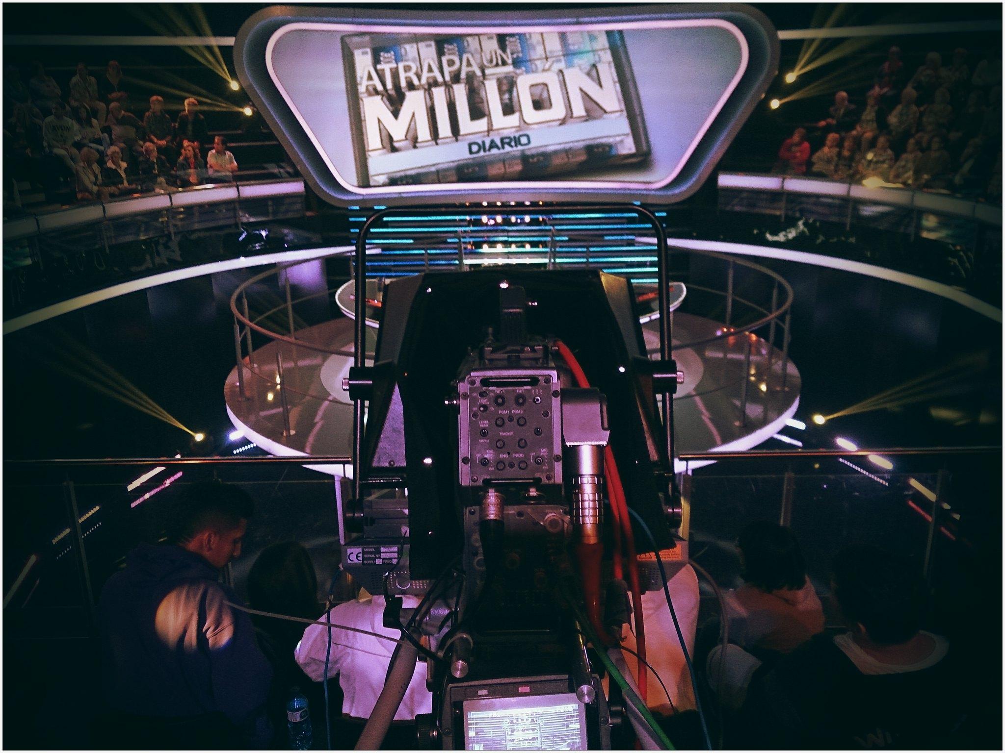 Atrapa un millón concurso presentado por Carlos Sobera